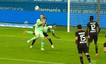 """Impresionante: un gol """"de escorpion"""" sorprendió a todos en la Bundesliga    Fútbol"""