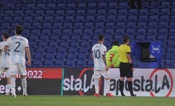 En plena polémica, Conmebol anunció un gran cambio en el uso del VAR   Fútbol