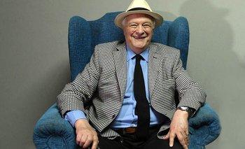 Tras 60 años de carrera, Héctor Larrea anunció su retiro de la radio   Medios