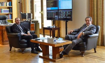 Guzmán se reunió con Pesce en medio de la escalada del dólar blue | Crisis económica