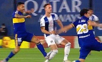 Germán Delfinó explicó por qué no echó a Tevez tras su brutal planchazo | Fútbol