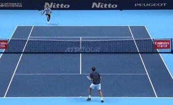 VIDEO: El polémico saque de Medvedev en el Masters de Londres   Tenis