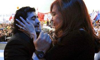 "Murió Diego Maradona: el emotivo recuerdo de Cristina Kirchner  | Cfk despidió al ""10"""