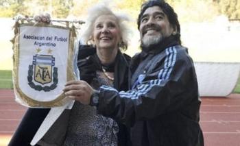 Conmovedor mensaje de Abuelas de Plaza de Mayo a Diego Maradona | En redes