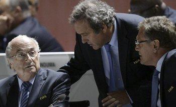 Escándalo en la FIFA: suspenden por ocho años a Blatter y Michel Platini | Escándalo en la fifa