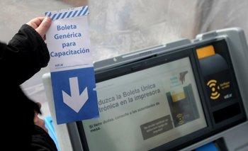 Pese a las denuncias por fraude, Córdoba avanza con el voto electrónico | Voto electrónico