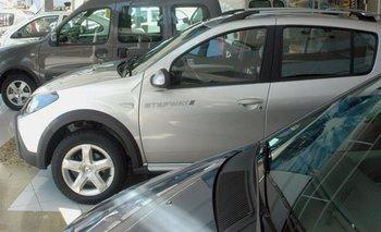 Crisis automotriz: la venta de autos se derrumbó casi un 46%   Venta de autos