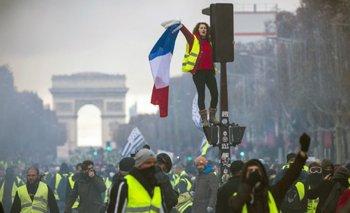 Las violentas manifestaciones de Francia tienen en crisis a Macron   Pedro brieger