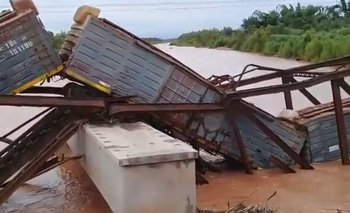 Se volvió a desplomar un puente que refaccionó el Gobierno | Plan belgrano