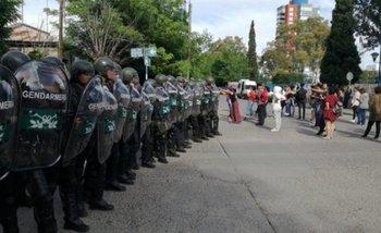 Video: así reprimió Gendarmería a estudiantes de la Universidad de Río Negro | Gendarmería