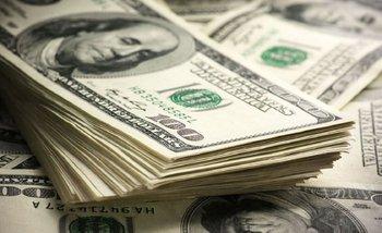 El dólar cerró el año a $ 38,84 y el riesgo país no lograr bajar de 800 puntos | Dólar