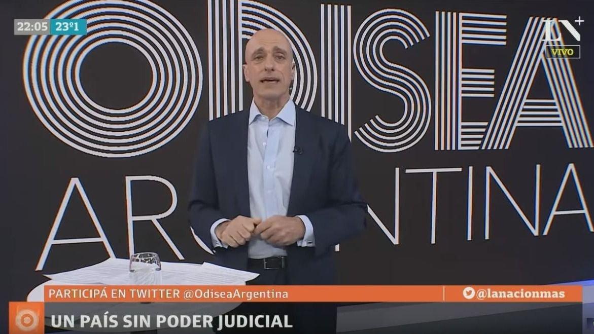 Alberto Fernández sorprendido con Cristina porque lo nombró en juicio