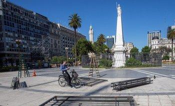 Cantaron la marcha peronista cuando retiraron la última reja | Plaza de mayo