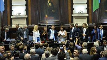 Kicillof prometió publicar la herencia de Vidal    Comenzó su gestión