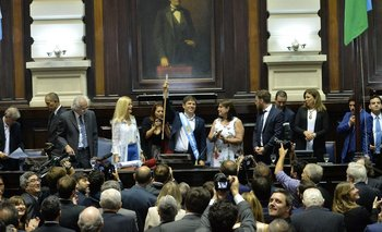 Kicillof prometió publicar la herencia de Vidal  | Comenzó su gestión