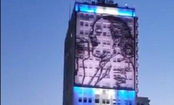 Se acabó: Eva Perón ya ilumina el corazón del centro porteño   Ciudad