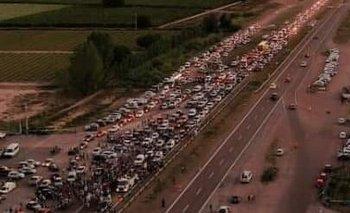 Mendoza: masiva marcha contra la ley 7722 de Minería  | Minería