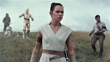 Censuran Star Wars por un beso entre mujeres | Cine