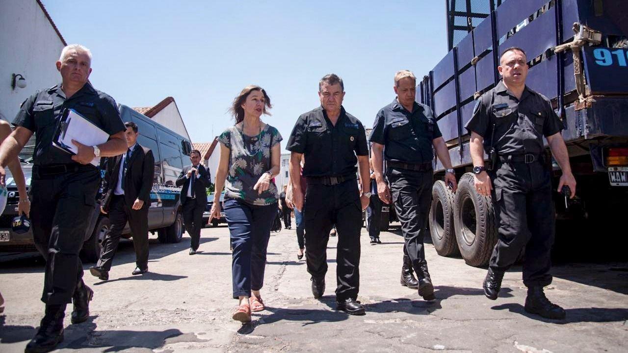 Seguridad derogó la doctrina Chocobar, las pistolas Taser y el SCV