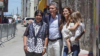 Reapareció Macri y visitó a Margarita Barrientos   Navidad