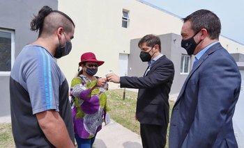 Kicillof participó de la entrega de 56 viviendas en Florencio Varela | Provincia