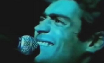 Revelan una versión inédita de Rodrigo cantando La Mano de Dios   Murió diego maradona