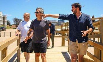 Filman a Macri jugando al paddle y caminando sin barbijo en Pinamar | Hernán lombardi