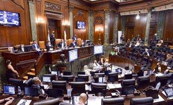 Aprueban el Presupuesto porteño con fuertes recortes y subas de impuestos | Legislatura porteña
