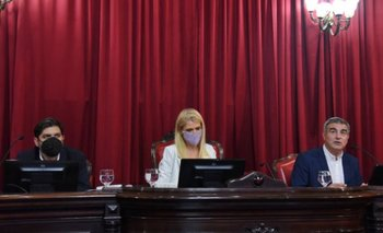 Bianco detalló en la Legislatura cómo actuó Provincia durante la pandemia | Coronavirus en argentina
