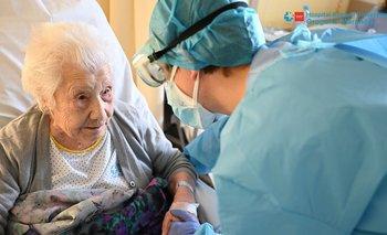 Una mujer de 104 superó el coronavirus y se recuperó | Insólito
