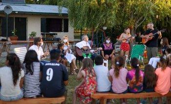 En vísperas de Navidad, Alberto visitó un hogar de niños  | Alberto fernández