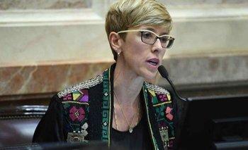 García Larraburu, una de las indecisas, se pronunció a favor del aborto   Congreso